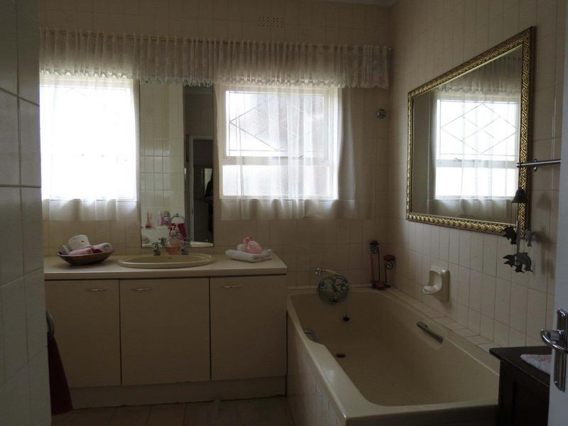 Property For Sale in Bonny Brook, Kraaifontein 13