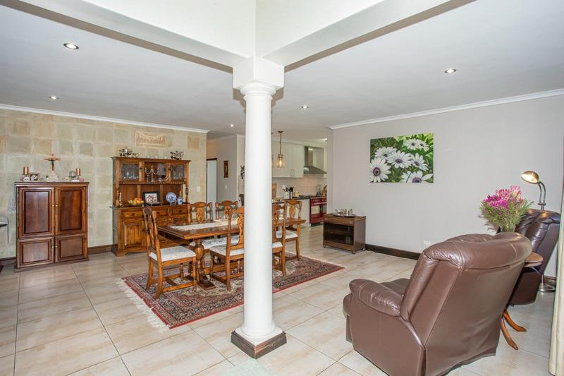 Property For Sale in Kleinbron Estate, Cape Town 14