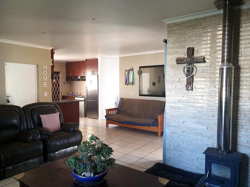 Property For Sale in Bonnie Brae, Kraaifontein 10