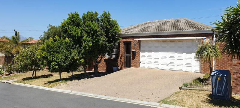 Property For Sale in Langeberg Ridge, Kraaifontein 3